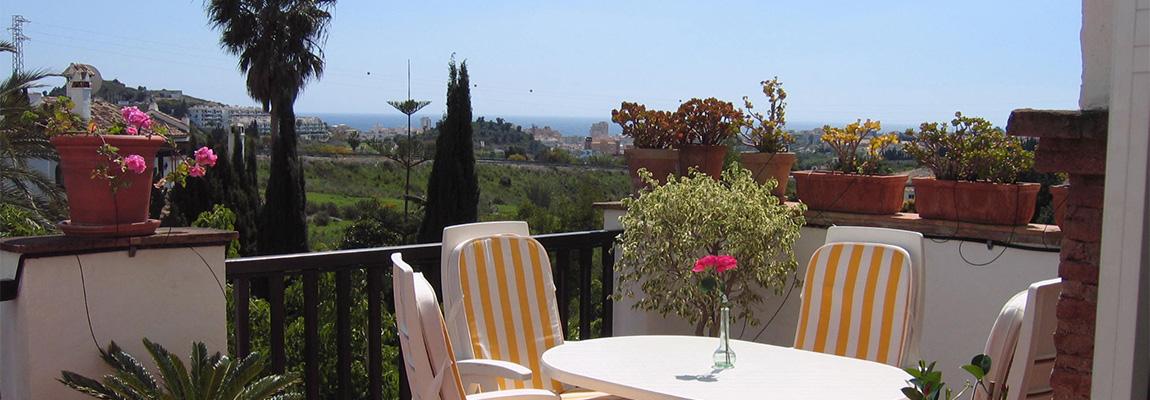 Dejlige stor og solrig terrasse